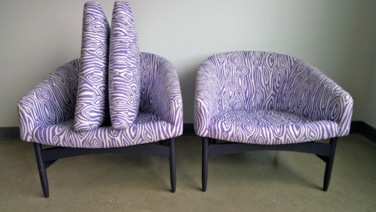 Pair of Newly Upholstered Purple & White Animal Print Barrel Back Lounge Chairs For Sale 11