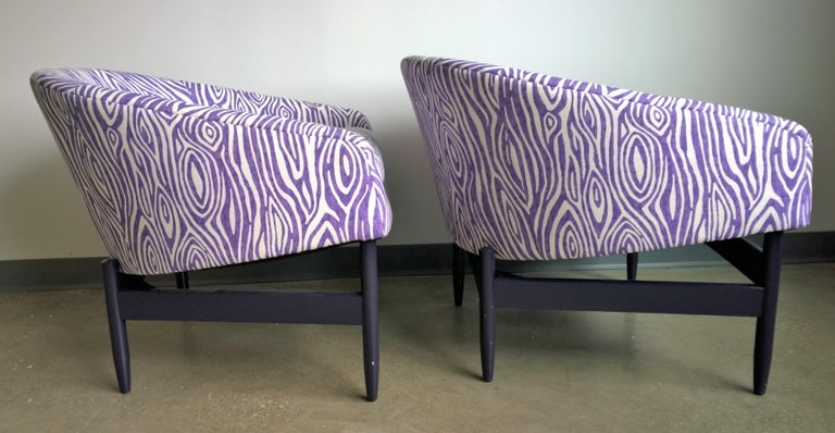 Mid-Century Modern Pair of Newly Upholstered Purple & White Animal Print Barrel Back Lounge Chairs For Sale