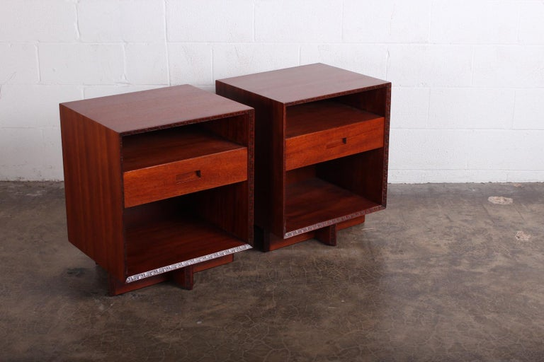 Mid-20th Century Pair of Nightstands by Frank Lloyd Wright for Henredon For Sale
