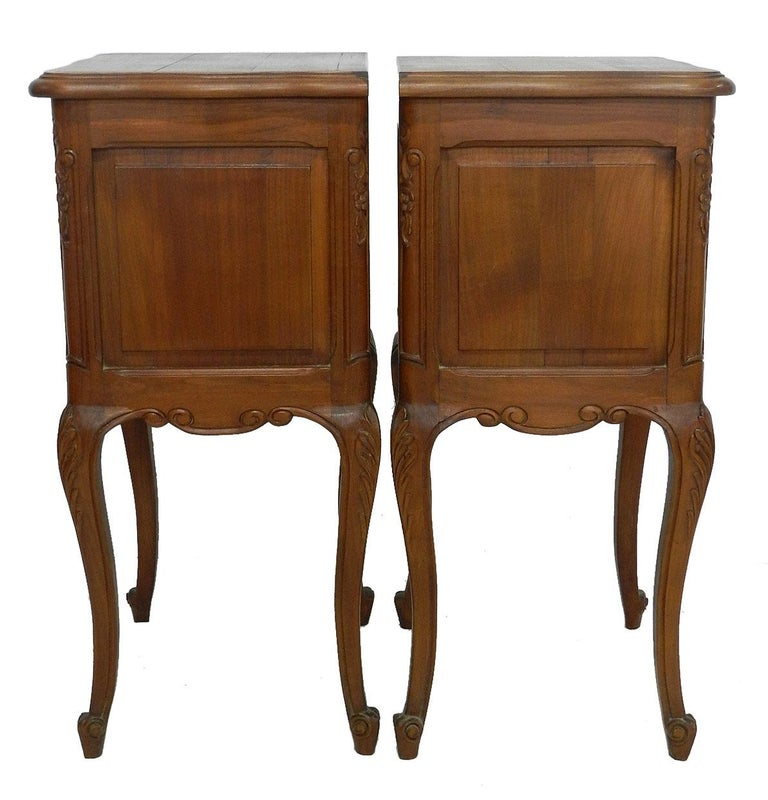 Pair of Nightstands French Side Cabinets Bedside Tables, 20th Century For Sale 3