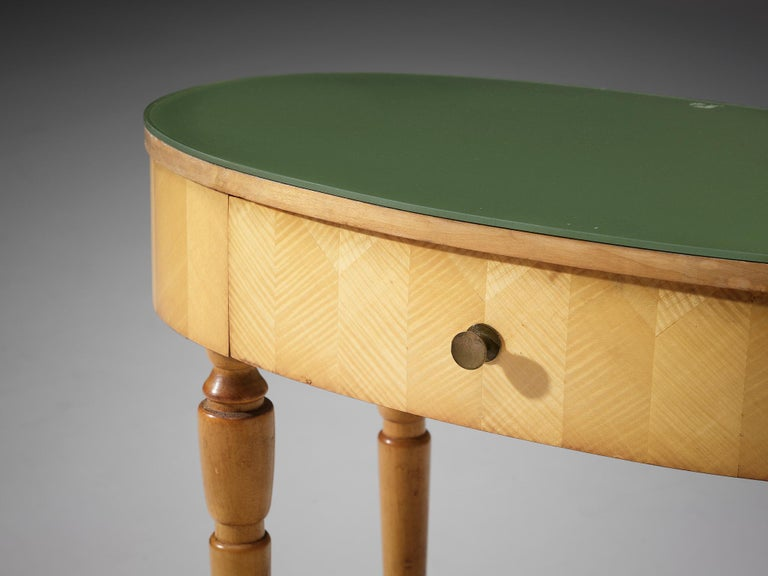 Mid-Century Modern Pair of Nightstands in Beech and Brass For Sale