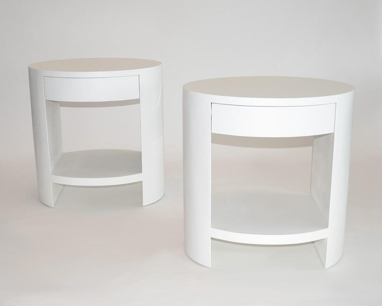 Pair of Nightstands Side or End Tables in Lacquered Linen or Grasscloth, 1970's For Sale 1