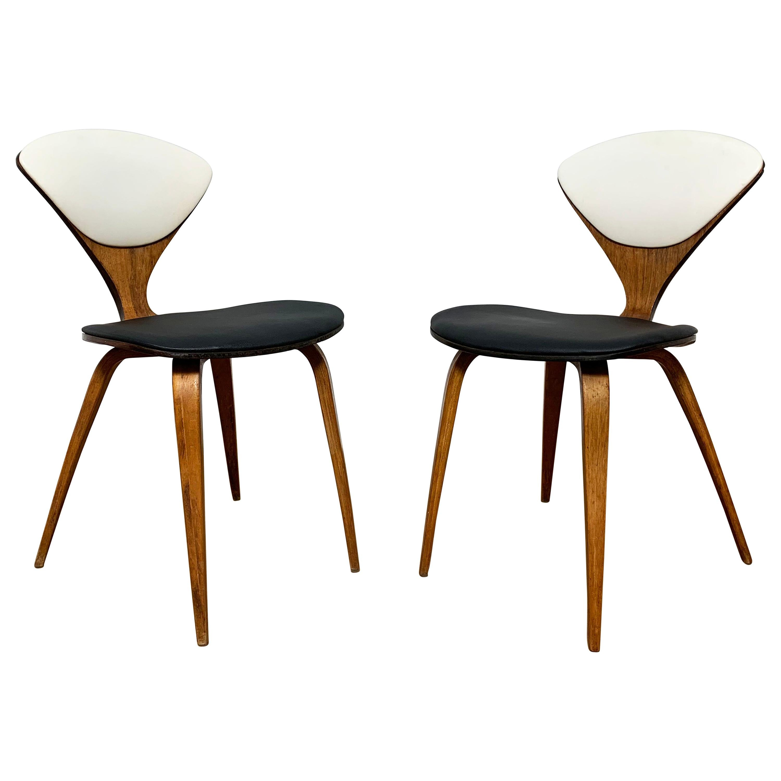 Pair of Norman Cherner Dining Chairs for Plycraft, Circa 1960s