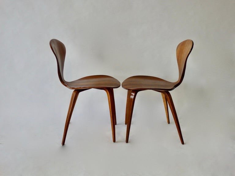 Pair of Norman Cherner for Plycraft Side Chairs In Good Condition For Sale In Ferndale, MI