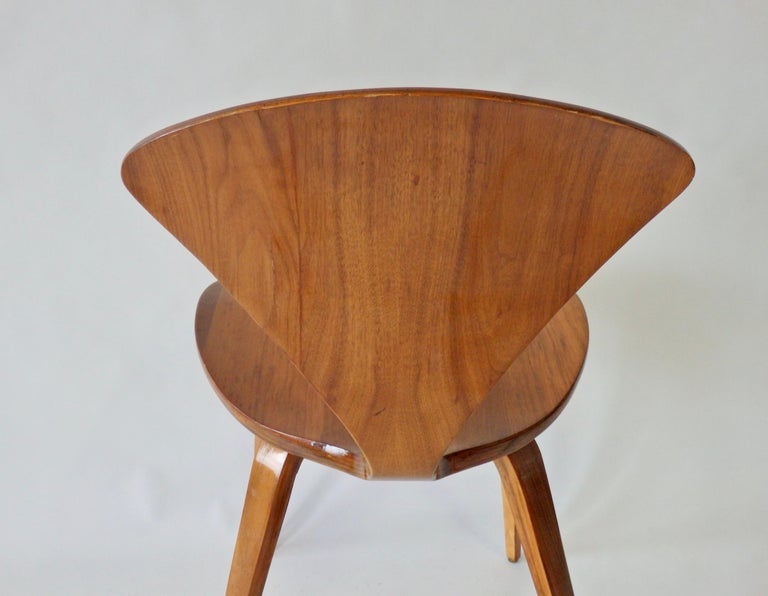 Walnut Pair of Norman Cherner for Plycraft Side Chairs For Sale