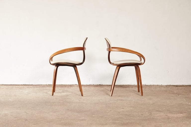Pair of Norman Cherner Pretzel Armchairs, Plycraft, USA, 1960s In Good Condition In London, GB