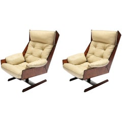 Pair of Novo Rumo 1960s Brazilian Jacaranda Lounge Chairs in Beige Leather