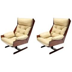 Pair of Novo Rumo 1960s Brazilian Jacaranda Wood Lounge Chairs in Beige Leather