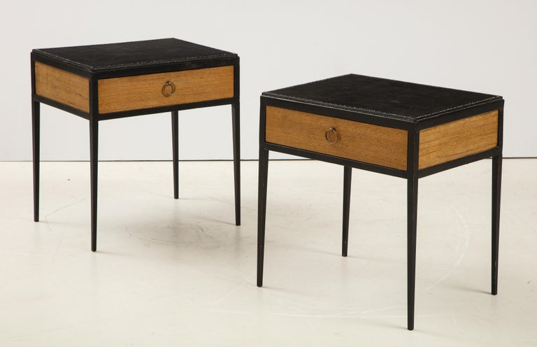Pair of Oak and Leather Side Tables in the Manner of Jean Michel Frank In Good Condition In Montreal, QC