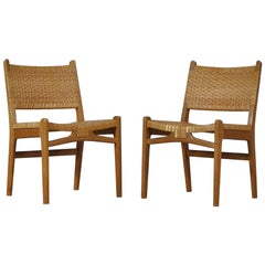 Pair of Oak and Rattan Danish Modern Side Chairs CH31 by Hans J. Wegner, 1950s