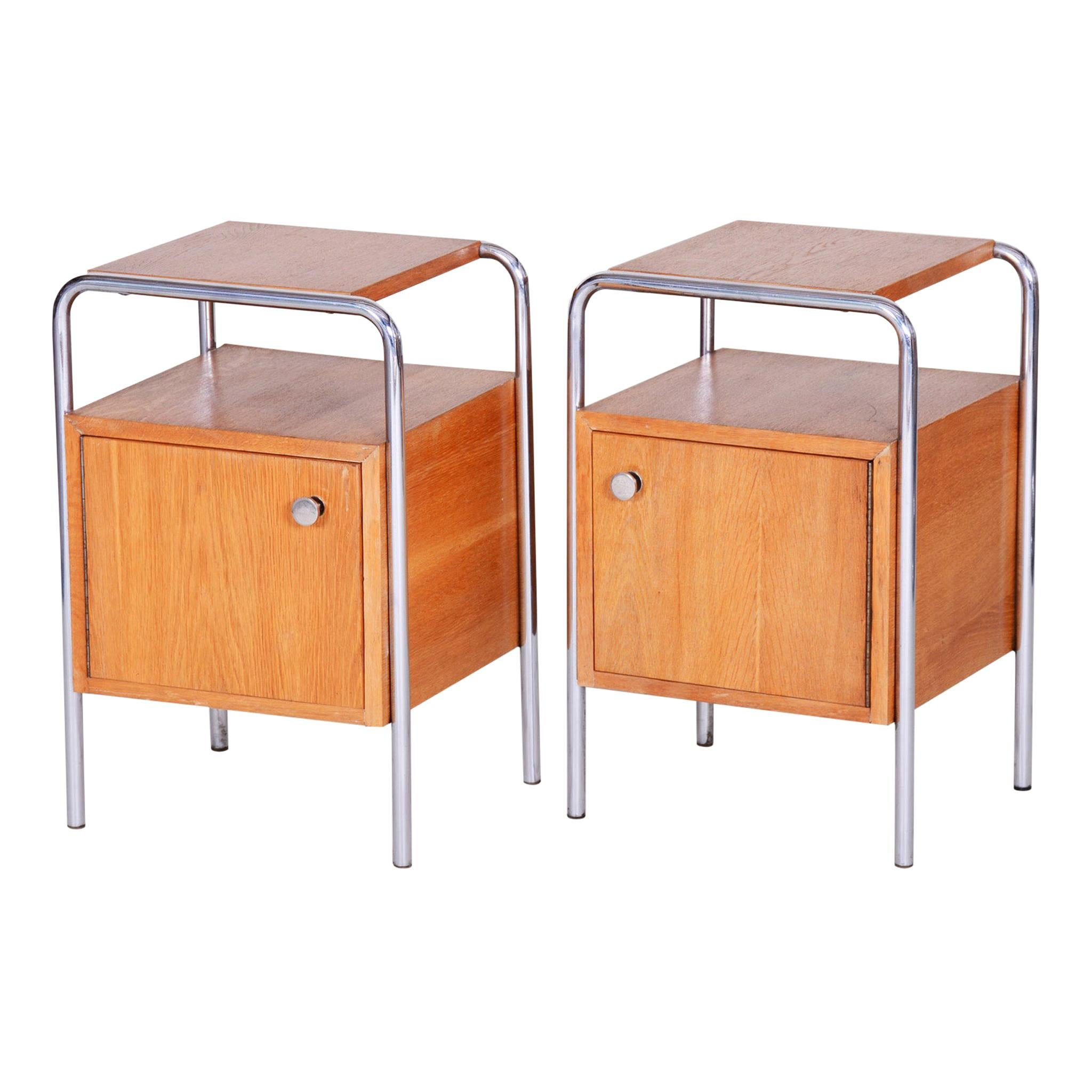 Pair of Oak Bauhaus Bed-Side Tables, Maker Robert Slezak, Czechoslovakia, 1930s