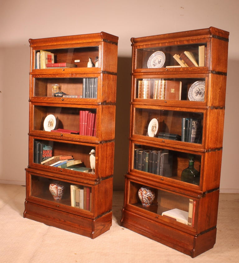 Pair of Oak Stacking Bookcase Globe Wernicke In Good Condition For Sale In Brussels, Brussels