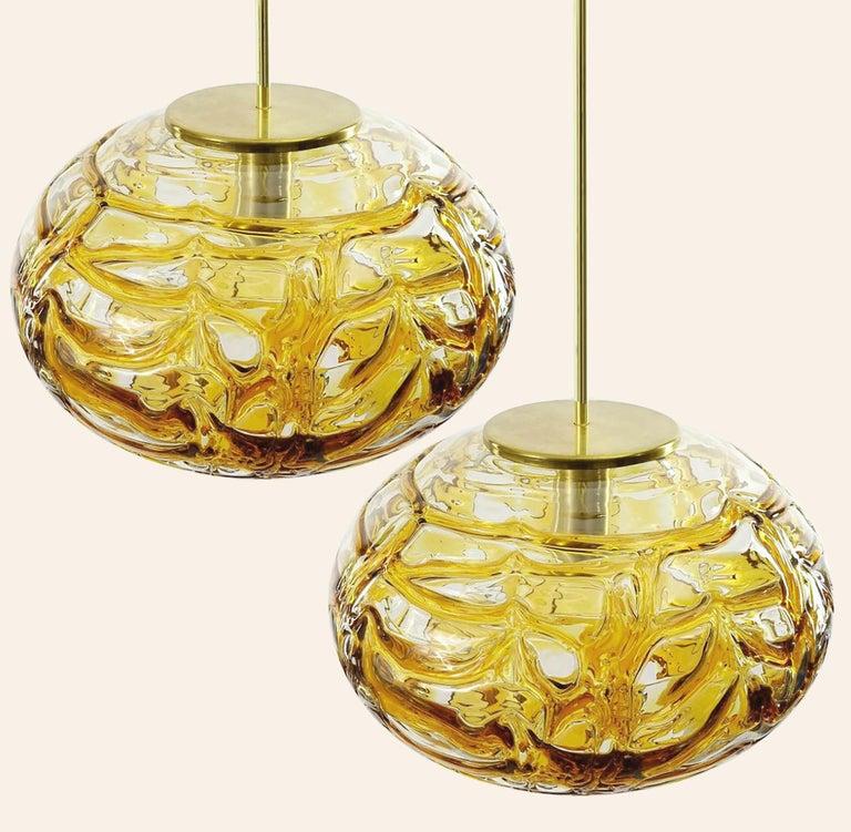 Pair of Ochre Yellow Murano Glass Pendant Lamp, 1960s In Good Condition For Sale In Rijssen, NL