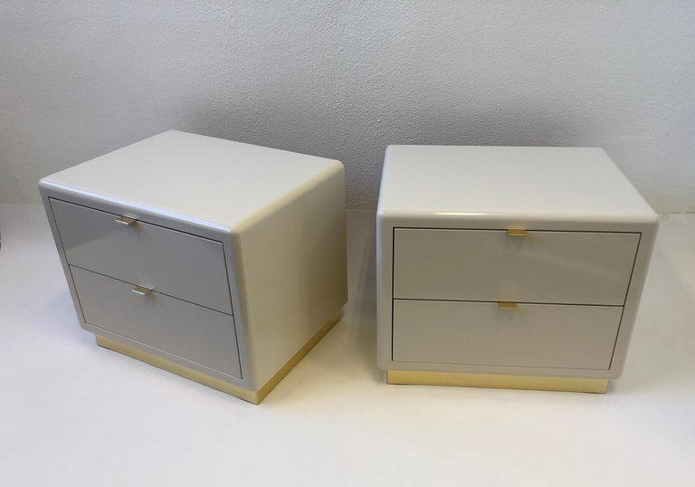 Pair of off White Lacquered and Brass Nightstands by Steve Chase For Sale 7