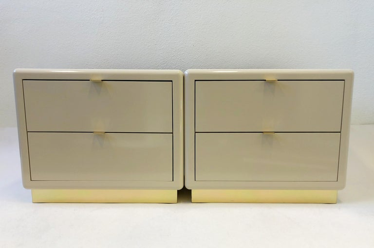 Pair of off White Lacquered and Brass Nightstands by Steve Chase For Sale 9