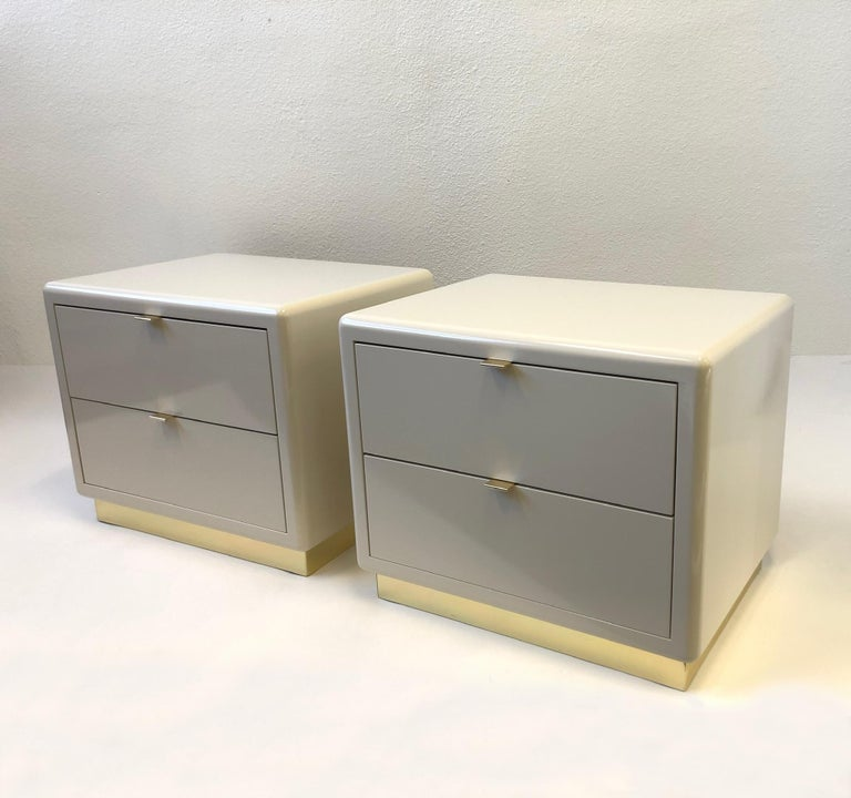 Pair of off White Lacquered and Brass Nightstands by Steve Chase For Sale 3
