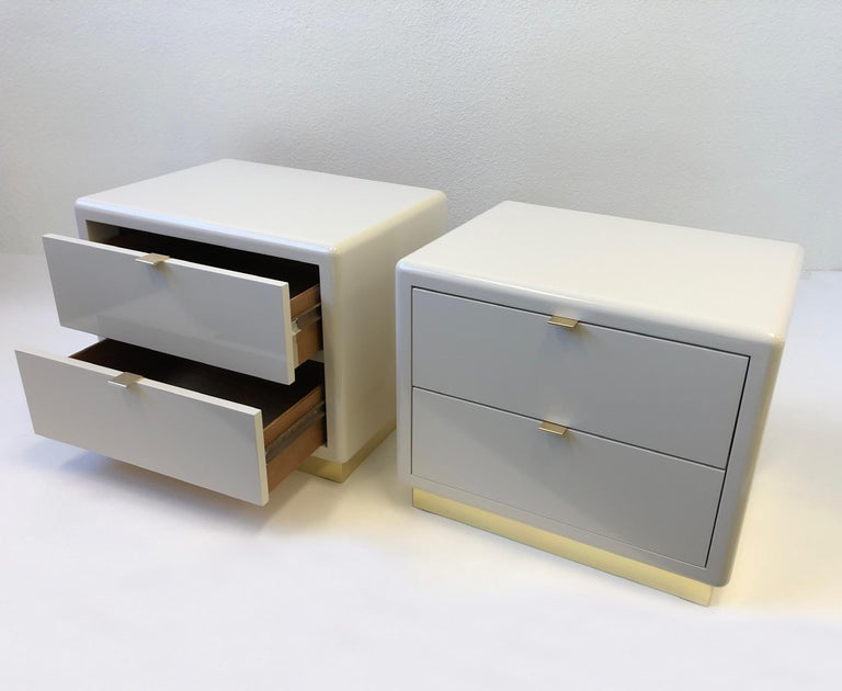 Pair of off White Lacquered and Brass Nightstands by Steve Chase For Sale 5
