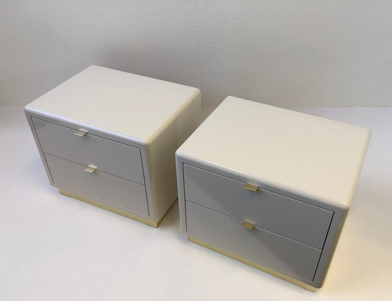 Pair of off White Lacquered and Brass Nightstands by Steve Chase For Sale 6