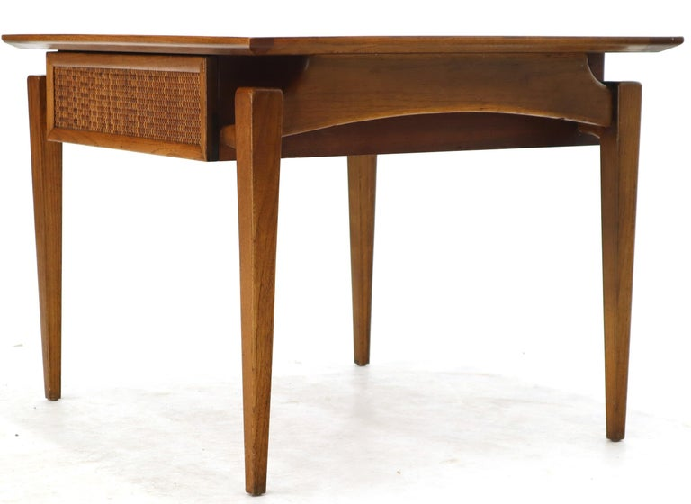 20th Century Pair of Oiled Walnut Exposed Sculptural Legs Large Square Side End Tables