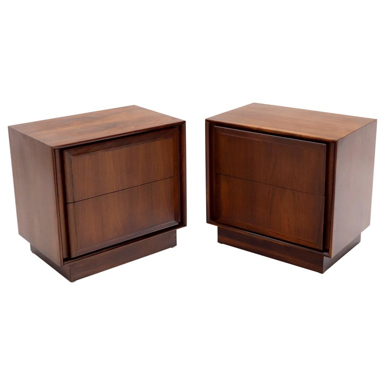Pair of Oiled Walnut Two Drawers Cube Shape Nightstands End Side Tables For Sale