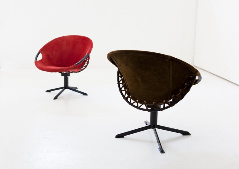 Mid-20th Century Pair of Olive Green and Red Natural Suede Leather Lounge Chairs, 1960s For Sale