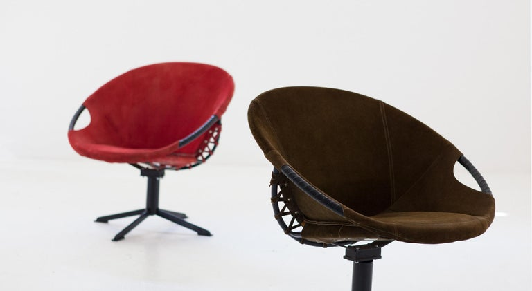 Pair of Olive Green and Red Natural Suede Leather Lounge Chairs, 1960s For Sale 1