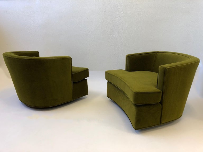 American Pair of Olive Green Mohair Swivel Lounge Chairs by Harvey Probber For Sale