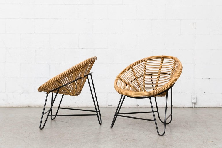 Mid-Century Modern Pair of Onion Skin Patterned Bamboo Hoop Chairs For Sale