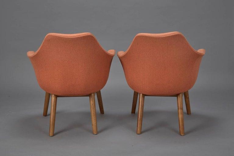 Mid-20th Century Pair of Orange Fabric Mid-Century Modern Armchairs in Style of Eero Saarinen For Sale