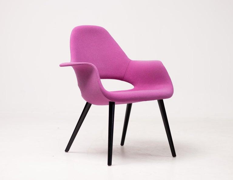 Mid-Century Modern Pair of Organic Chairs by Charles Eames & Eero Saarinen For Sale