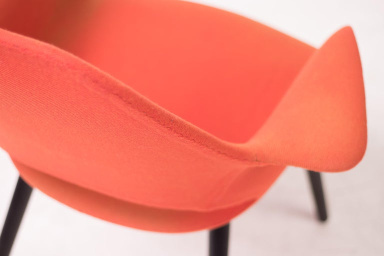 Pair of Organic Chairs by Charles Eames & Eero Saarinen For Sale 2