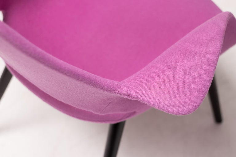 Dyed Pair of Organic Chairs by Charles Eames & Eero Saarinen For Sale