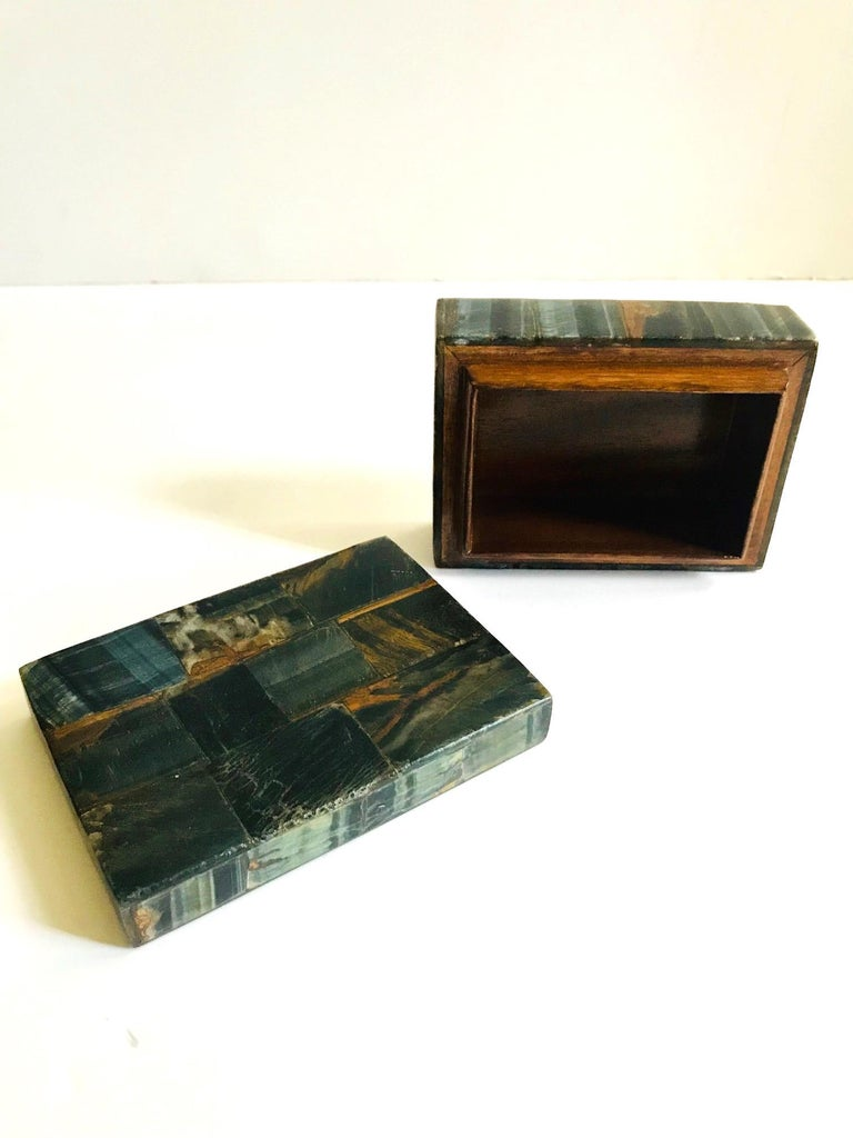 Pair of Organic Modern Boxes in Tessellated Tiger Eye Stone by R&Y Augousti For Sale 5