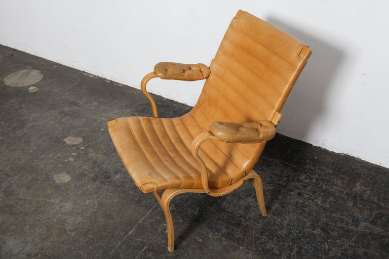 Pair of Original Leather Bruno Mathsson 'Eva' Chairs for DUX, Sweden, 1960s In Good Condition For Sale In North Hollywood, CA