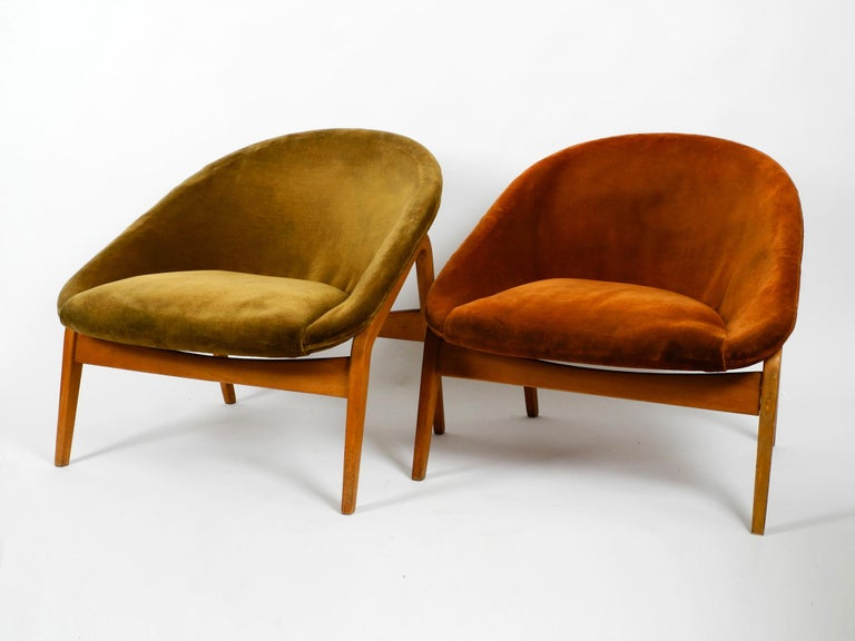Pair of beautiful, very rare Mid-Century Modern lounge chairs by Hartmut Lohmeyer. Manufactured by Artifort in the Netherlands in the 1950s.