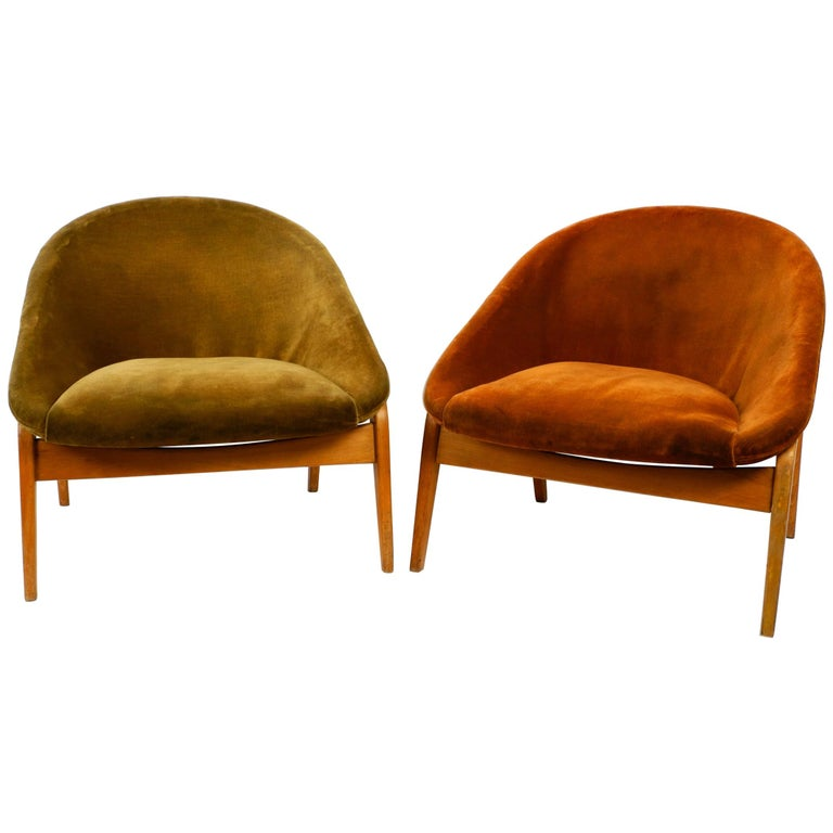 Pair of Original Midcentury Lounge Chairs by Hartmut Lohmeyer for Artifort For Sale