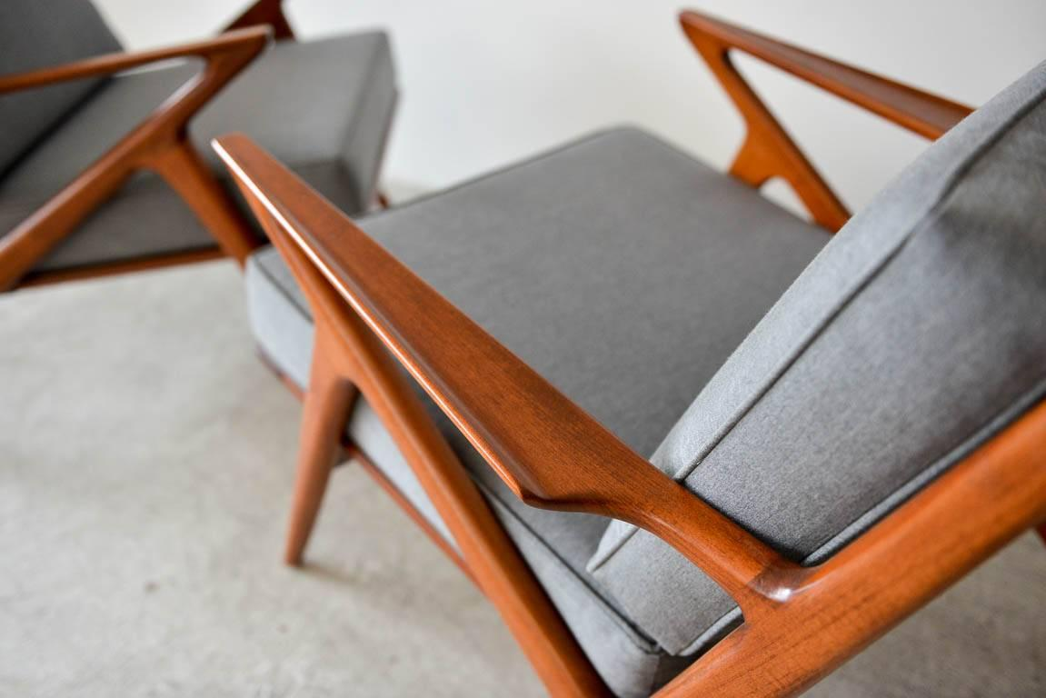 Mid 20th Century Pair Of Original Poul Jensen U0027Zu0027 Chairs By Selig,