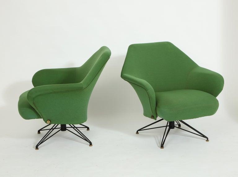 Italian Pair of Osvaldo Borsani Green P32 Chairs for Tecno, Italy, 1950s For Sale