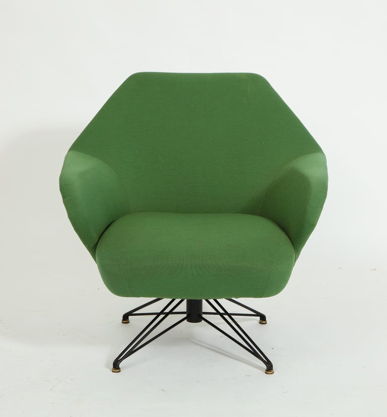Pair of Osvaldo Borsani Green P32 Chairs for Tecno, Italy, 1950s In Good Condition For Sale In New York, NY