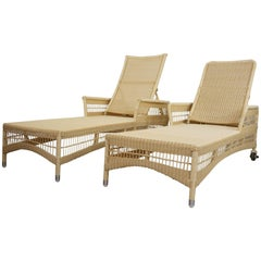 Pair of Outdoor Chaises Longues Relax and Recliner Loom Lloyd Resin