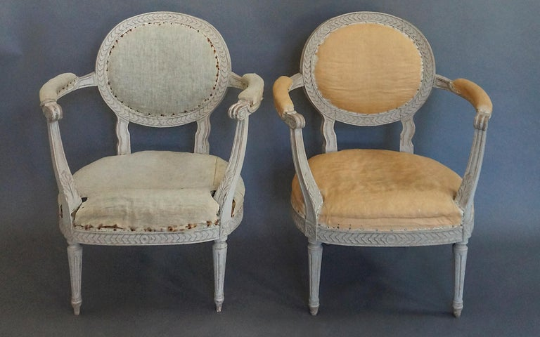 Gustavian Pair of Oval Backed Swedish Armchairs For Sale