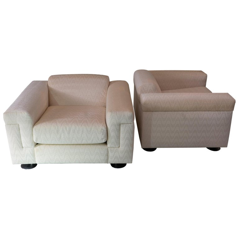 Pair of P120 Armchairs by Tecno, Ivory Woven Velvet, Italy, 1966 For Sale