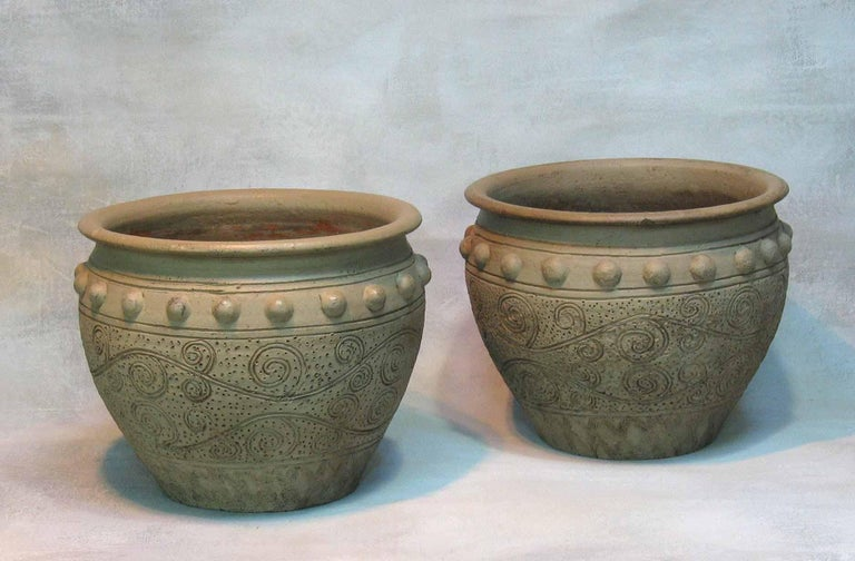 Pair of Painted Garden Terracotta Urns In Good Condition For Sale In Ottawa, Ontario