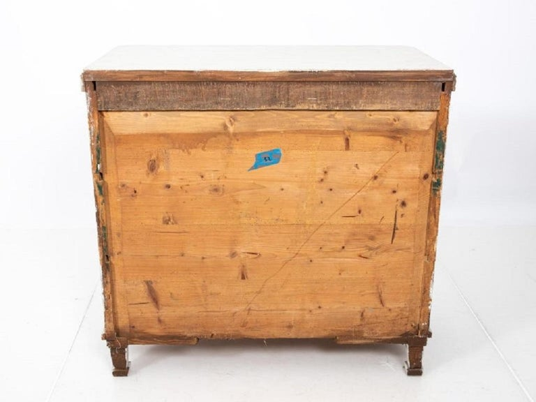 Pair of Painted Gustavian Chest of Drawers For Sale 4