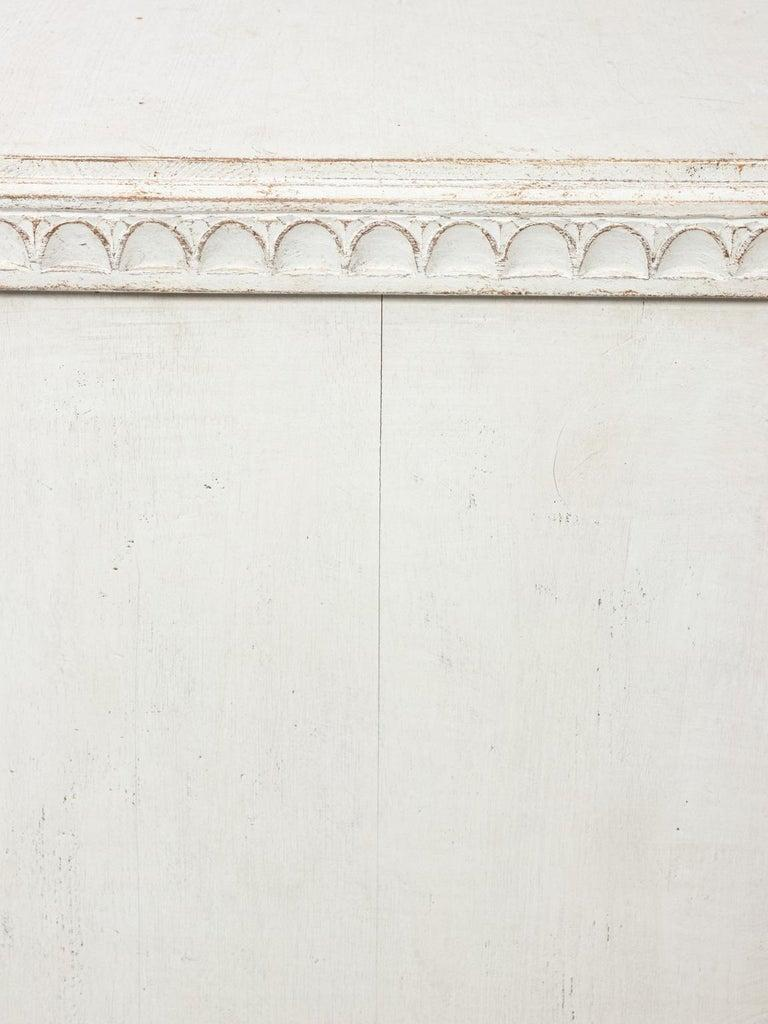 Pair of Painted Gustavian Chest of Drawers For Sale 2