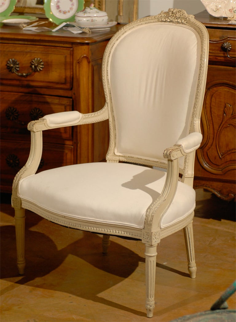 Pair of French Louis XVI Style 19th Century Painted Armchairs with Carved Decor In Excellent Condition For Sale In Atlanta, GA