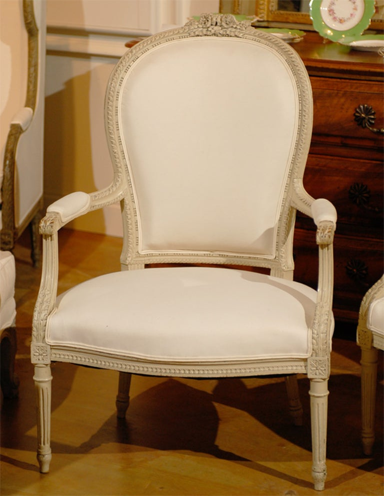 Upholstery Pair of French Louis XVI Style 19th Century Painted Armchairs with Carved Decor For Sale