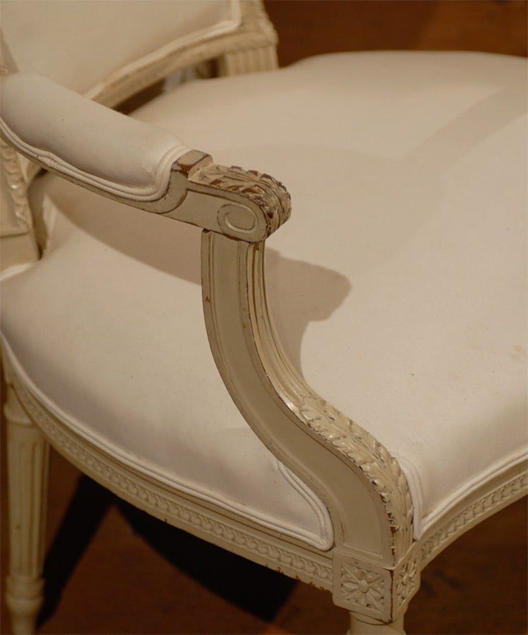 Pair of French Louis XVI Style 19th Century Painted Armchairs with Carved Decor For Sale 5