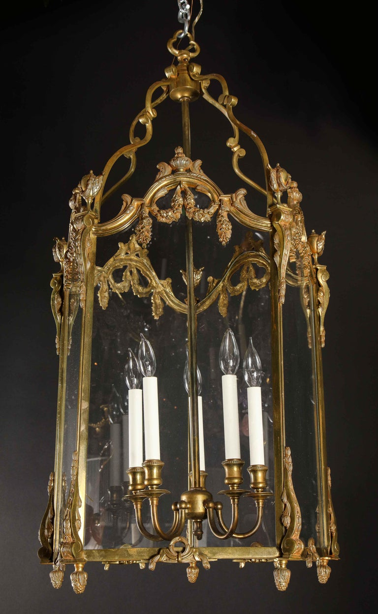 Pair of Palatial French Louis XVI Style Gilt Bronze and Glass Lanterns In Good Condition For Sale In New York, NY