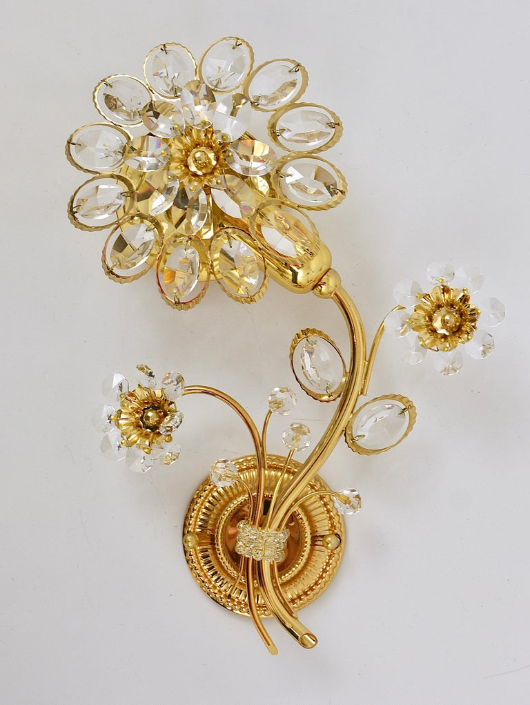 Mid-Century Modern Pair of Palwa Gilt Brass Flower Wall Lights with Crystals, Germany, 1970s For Sale